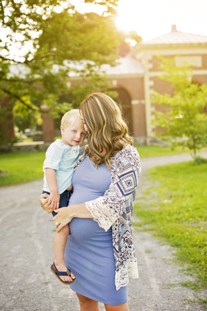 maternity photo with toddler boy in Saratoga Springs Park